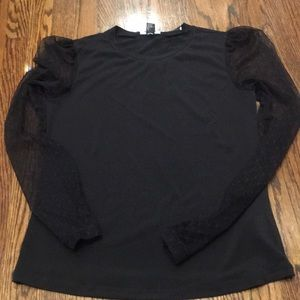 Brand new size M black long sleeve top, w lace